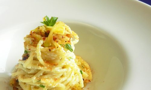 Spaghetti con bottarga, ricotta e limone