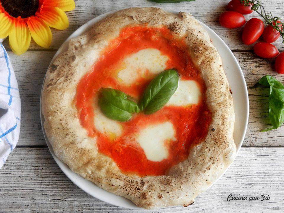 Pizza napoletana in casa senza forno a legna cucina con gi - Forno a legna in casa ...