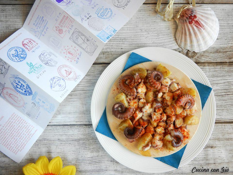 DSCN4905ccg-960x720 Polpo alla Gallega Cucina Etnica Secondi di pesce Secondi Piatti Spagna  santiago de compostela santiago pulpo a feira polpo alla gallega polpo alla galiziana polpo gallega cucina con giò
