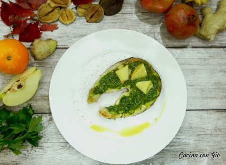 Pesce spada in salsa verde con mela cotogna e capperi