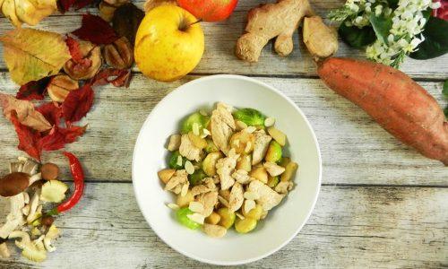 Bocconcini di pollo, cavoletti e mela cotogna