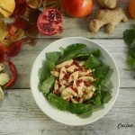 Petto di pollo con kale e melagrana