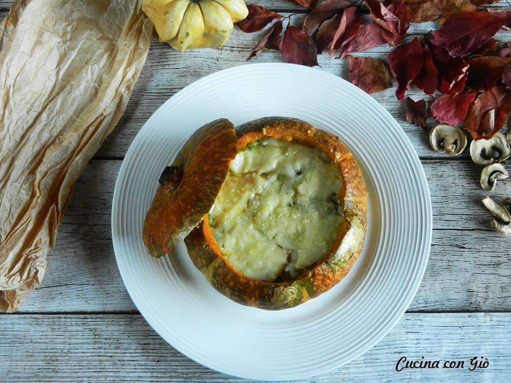 DSCN5583ccg Zucca ripiena filante al forno Autunno Secondi Piatti Vegetariani Zuppe  zucca ripiena zucca al forno zucca verze salsiccia funghi formaggio cucina con giò
