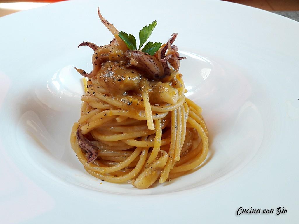 20180201_101636 Spaghettone Bobò con ciuffi di calamari Pasta Pasta secca Primi di mare Primi piatti  spaghettoni spaghettone spaghetti primo primi pesce pasta latte di cocco cucina con giò calamari bobò
